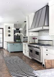 Kitchen Ideas For Older Homes Best 25 Colonial Kitchen Ideas On Pinterest Pantry Kitchen