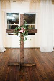 Cross For Home Decor 25 Best Wedding Cross Ideas On Pinterest Church Wedding