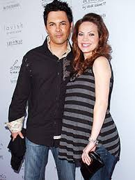 what style hair does rebecca herbst rebecca herbst welcomes son emerson truett moms babies