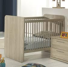 chambre enfant evolutive lit bébé évolutif contemporain chêne clair lit chevet