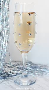 Party Glasses Swarovski Crystal by Quick And Easy Diy Rhinestone Champagne Glasses Setting For Four