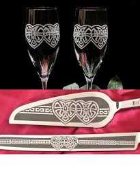 celtic weddings celtic wedding cake server and chagne flutes celtic knot heart
