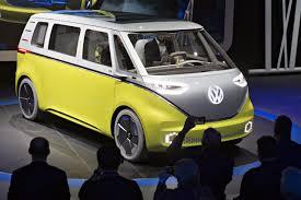 volkswagen kombi mini así sería la nueva combi de vw eléctrica y con piloto automático