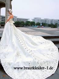 brautkleider mit langer schleppe brautkleider mit schleppe bestellen modewelten die besten