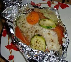 cuisiner de la dorade recette de dorade en papillote avec ses légumes