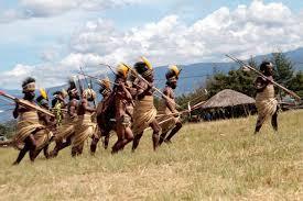 menengok budaya dan tradisi suku di lembah baliem papua picmixers