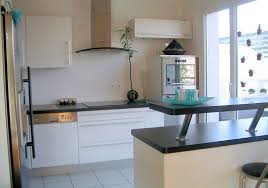 hauteur comptoir cuisine bien hauteur ilot central cuisine 7 le comptoir de bar