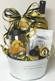 wine baskets the basket cases personal and corporate gift baskets for all
