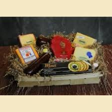 cheese gift baskets gourmet cheese sausage gift basket wisconsin s finestthe