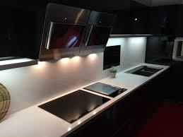 plancha encastrable cuisine hotte cuisine moderne meuble cuisine hotte de design