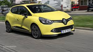 new renault clio 400 000 new renault clio units recalled for braking system problem