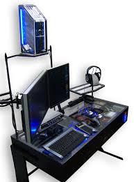 bureau avec ordinateur intégré pc casemod intégré dans un bureau