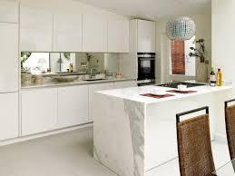 plaque d馗orative cuisine hotte décorative design comme un point focal dans la cuisine 105