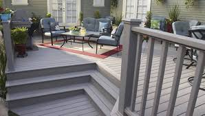 modern vinyl decking with white railing selecting tips for