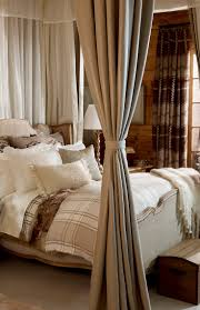 best 25 lodge bedroom ideas on pinterest lodge decor lodge take the bed and bedding out of that room and put it in mine please