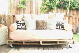 fabriquer un canap en palette canapé palette bois superbe faire un canap avec lit 8 fabriquer des