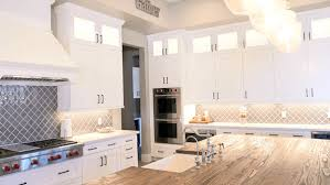 best kitchen cabinet lighting brighten up your new kitchen with cabinet lighting
