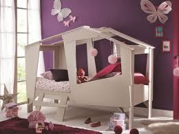 lit chambre fille but lit cabane enfant beige chambre lit cabane