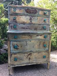 hand painted antique dresser using annie sloan country grey and