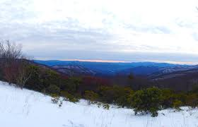 the best time to see snow in gatlinburg tn