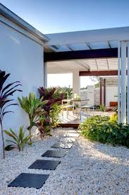 amenager balcon pas cher les 25 meilleures idées de la catégorie aménagement extérieur sur