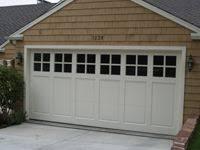 craftsman style garages teki 25 den fazla en iyi custom garage doors fikri