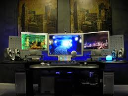 sweet tri monitor setup desktop setup and wallpapers pinterest
