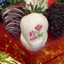 gift boxes for chocolate covered strawberries 62 best ccberries chocolate strawberries images on