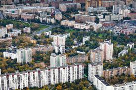 modernday houses block of big modern houses in moscow autumn day stock photo