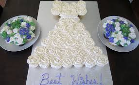 bridal cupcakes cupcakes shaped like a wedding dress how big of a board for 28