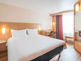 prix chambre ibis hotel pas cher nantes ibis nantes centre tour bretagne