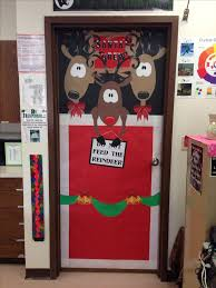 Christmas Door Decorations Ideas For The Office 19 Best Christmas Door Decor Images On Pinterest Decorations