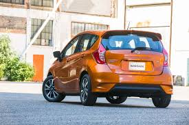 nissan versa gas mileage 2016 2017 nissan versa note reviews and rating motor trend