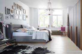 Schlafzimmer Braunes Bett Schlafzimmer Skanhaus Living At Home I Lifestyle Und Natürliches