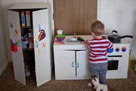 faire une cuisine pour enfant fait une incroyable cuisine pour sa fille avec quelques