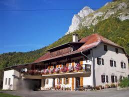 la grande motte chambre d hote location vacances chambre d hôtes rocher de la motte à bellevaux