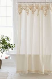 Bathroom Curtains Ideas by Best 25 Shower Curtains Ideas On Pinterest Guest Bathroom