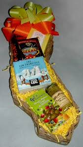 california gift baskets california bounty gift basket featuring gourmet food from