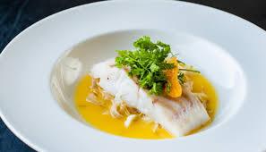 cuisiner le lieu jaune filet de lieu jaune de ligne en cuisson douce endives de kerlouan