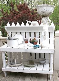 Inexpensive Potting Bench by Picket Fence Potting Bench I Need This On My Front Porch