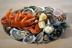 vidéo préparer un plateau de fruits de mer