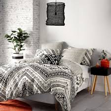 mod by linen house naoko quilt cover set