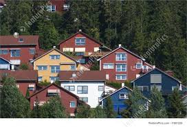 picture of hillside houses residential architecture residential area on a steep hill surrounded by forest wooden houses