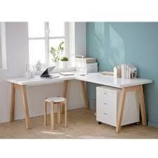 bureau d angle en bois massif oslo bureau blanc l150cm avec piétement en bois massif bureaus