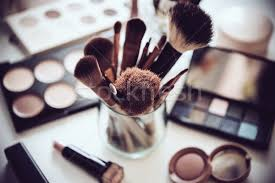 professional makeup artist tools makeup stock photos stock images and vectors stockfresh
