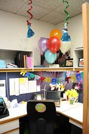 decorating coworkers desk for birthday decorating office cubicle how to decorate a cubicle at work for