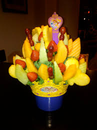 fruit arrangements nyc edible arrangements momtrendsmomtrends
