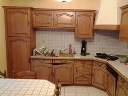 peindre armoire de cuisine en chene meuble cuisine en bois armoire cuisine meubles rangement
