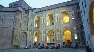 cortile palazzo farnese interno cortile principale foto di musei civici di palazzo