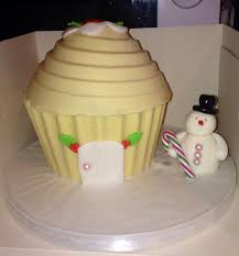 White Chocolate Christmas Cake Decorations by 981 Best Cupcake Cakes Images On Pinterest Giant Cupcake Cakes